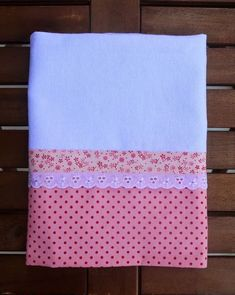 Artesanatos com Pano de Prato Dish Towels, Hand Towels, Tea Towels, Fabric Crafts, Sewing Crafts, Sewing Projects, Hanging Towels, Diy Couture, Baby Sewing