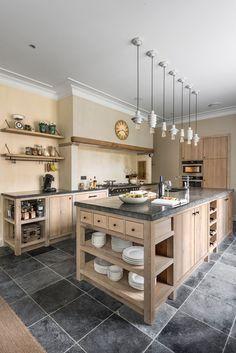 39 Most Amazing Rustic Farmhouse Kitchen Design – Magazine Decorations Kitchen Interior, Home Decor Kitchen, Kitchen Remodel, Kitchen Decor, Home Remodeling, Home Kitchens, Farmhouse Kitchen Design, Retro Kitchen, Kitchen Design