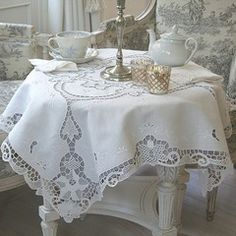 Tea Tablecloth hand embroidered in white linen... what a nice decoration for a moment with my bestfriends.