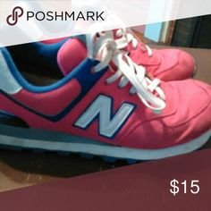 Ladies New Balance  524 Shoes in good shape. Pink color New Balance Shoes Sneakers