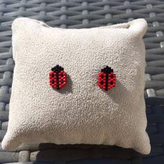 Jewelry ladybug earrings - idea birthday gifts for girls Clous chips - Jewelry ladybug earrings – idea birthday gifts for girls Clous chips Hama Beads Patterns, Seed Bead Patterns, Peyote Patterns, Bracelet Patterns, Beading Patterns, Bead Jewellery, Seed Bead Jewelry, Beaded Jewelry, Art Perle