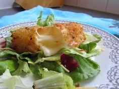 Mijn mixed kitchen: Kaşar pane (Turkse gepaneerde gebakken kaas) 1 flinke plak kaşar of jonge kaas 1 ei 1 schaaltje bloem 1 schaaltje (zelfgemaakt) paneermeel