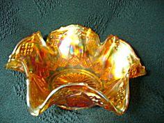 Fenton Diamond & Honeyomb Design Bowl