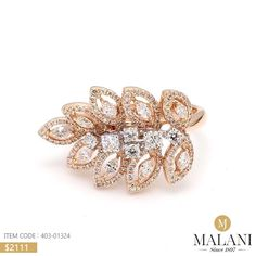 Rose gold and diamonds for that rosy blush. Solitaire Ring Designs, Gold Ring Designs, Gold Bangles Design, Jewelry Design, Best Diamond Rings, Diamond Earing, Diamond Jewellery, Van Cleef And Arpels Jewelry, Wedding Hair