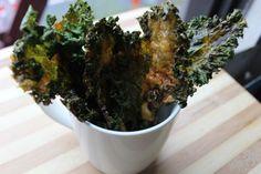 DIY Cheddar Kale Chips Video tutorial here. Printable recipe here. Via Food Heaven Made Easy