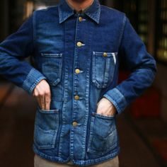 Denim worker jacket..... Your dad wore a jacket like this when I met him ,in a large size even though he only weighed 230