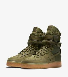 competitive price 3b2b5 baea8 Nike Sf Af1, Nike Air Force Ones, Girls Sneakers, High Top Fade,