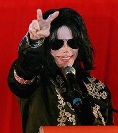 16 Times Sunglasses Were The Coolest Accessories-Michael!! #michaeljackson #coolest #sunglasses Follow us on FaceBook! www.facebook.com/eyecarefortcollins