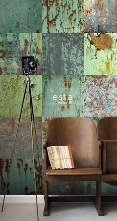 Contrast with the rest of the meeting room is nice to have. fot the color of the chairs are orange and dark brown. ESTAhome.nl - maak je huis gezellig! wallpaperXXL len platen groen behang, fotobehang, gordijnstof en dekbedovertrekken