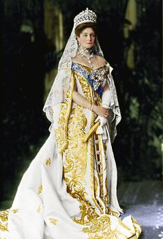 Her Imperial Majesty, the Empress of All the Russias, Alexandra Feodorovna of Russia, nee Princess Alix of Hesse and by Rhine in 1906 photograph by. Alexandra Feodorovna, Court Dresses, Royal Dresses, Czar Nicolau Ii, Tsar Nicolas, Estilo Real, Poses References, Imperial Russia, Royal Jewels