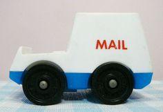 Vintage Fisher Price Toy Mail car. 4,95 euro (worldwide shipping). Mies & Mas Vintage Toys & Kitchenware.