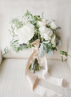 wintery white | wedding bouquet | leafy bouquet | ribbon wrapped bouquet | #weddingchicks