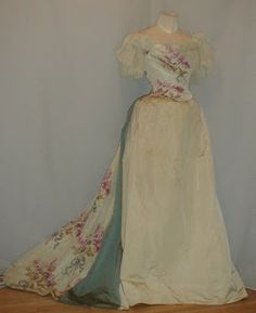 All The Pretty Dresses: 1890's Ball Gown from the House of Worth!