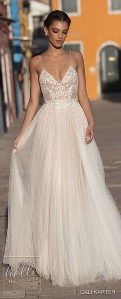 Brides dress. Brides think of finding the most appropriate wedding ceremony, however for this they need the ideal bridal dress, with the bridesmaid's dresses enhancing the wedding brides dress. These are a variety of tips on wedding dresses.
