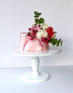 Marble Cake 🌸🌺 #marblecake #marblecover #mermerdesen #mermerpasta #flovers #pink #pinklove #borniskitchen