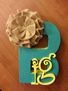 Big/little craft (minus the burlap bow for me) ohh and have one that says Lil too Gamma Sigma Sigma, Delta Phi Epsilon, Kappa Kappa Gamma, Pi Beta Phi, Alpha Sigma Alpha, Alpha Chi Omega, Tri Delta, Greek Crafts, Big Little Gifts