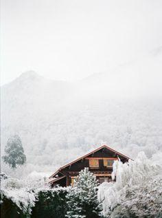 Blanc coco photographe . Annecy . Snow . Mamiya 645 . Fine Art . Wild http://www.blanccoco-photographe.com/blog/2014/01/06/variations-nuances-saisons-et-renaissance-la-mue-emue-de-blanc-coco-2/