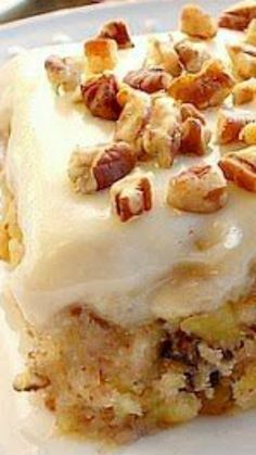 Pineapple Cake Easiest Pineapple Cake ~ a one bowl wonder!Easiest Pineapple Cake ~ a one bowl wonder! Easy Pineapple Cake, Pineapple Recipes, Pineapple Sheet Cake Recipe, Pinapple Cake, Crushed Pineapple Cake, Easy Desserts, Delicious Desserts, Yummy Food, Baking Recipes