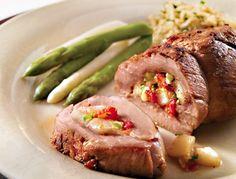 Filet de porc farci au fromage, aux poires et aux noisettes | Recettes IGA | Sirop d'érable, Noix, Recette facile