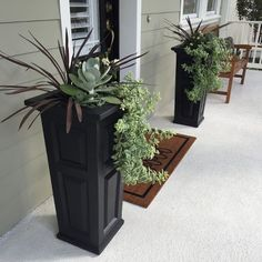 21 Ideas For Modern Front Door Ideas Entrance Plants Front Porch Planters, Front Yard Decor, Tall Planters, Front Yard Landscaping, Landscaping Ideas, Front Porch Decorations, Outdoor Landscaping, Plants For Front Door, Front Porch Landscape