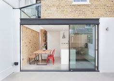 External View : Minimalist windows & doors by Thomas & Spiers Architects https://www.homify.co.uk/ideabooks/23314/clapham-townhouse-extension
