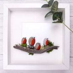 Robin pebble art - in a shadowbox frame. Painted pebbles, moss and an interesting stick - genius! 3d Box Frames, Box Frame Art, Diy Frame, Box Art, Craft Frames, Frames Ideas, Shadow Box Frames, Stone Pictures Pebble Art, Stone Art