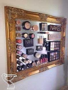 Easy Bedroom Organizing Ideas on a Budget – DIY Magnetic Makeup Board – Make up Artist Diy Makeup Organizer, Make Up Organizer, Vanity Organization, Organisation Hacks, Organizing Ideas, Diy Vanity, Vanity Ideas, Magnetic Makeup Board, Magnetic Boards