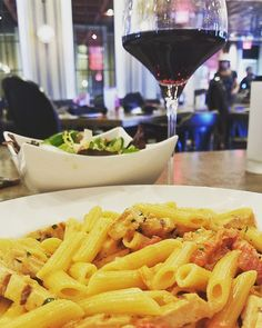 Pasta, salad, and wine. Can't say no to that. #segafredopembrokepines #pastalover #salad #wine #bemaifoodie