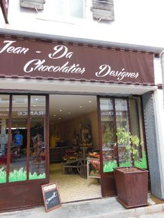 Jean-Da Chocolatier Designer - recoin via-sapiens Chocolatier, Carcassonne, Designer, Outdoor Decor, Home Decor, I Want You, Good Ideas, Homemade Home Decor, Decoration Home