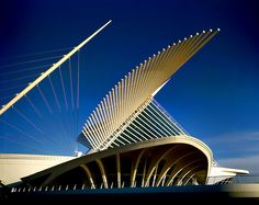 Architecture by Milwaukee Art Museum, via Flickr