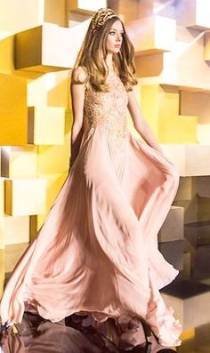 Breathtaking beauty at Elie Saab July Haute Couture Fashion, Prom Dresses, Formal Dresses, Elegant Woman, Elie Saab, Who What Wear, Dress Up, Gowns, Fashion Outfits