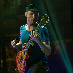 That look? That's the look of a man on the verge of making sweet, sweet love and sharing it with the rest of the world. Chris Martin Coldplay, Phil Harvey, Jonny Buckland, Old Names, British Rock, Britpop, Look At The Stars, Listening To Music, Viva La Vida
