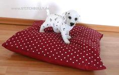 Hundekissen oder Schlafplatz für Schmuser S/M von stitchbully.de auf DaWanda.com