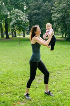 How to tell if you have diastasis recti and what to do about. The simple self test you can do at home to know if you have diastasis recti. Abdominal Diastasis, Diastasis Recti, Fit Pregnancy, Pregnancy Workout, How To Know, How To Find Out, How To Become, You Fitness, To Tell