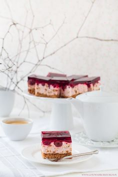 Kostka wiśniowo piernikowa Polish Recipes, Polish Food, No Cook Desserts, Sweet Recipes, Cheesecake, Food And Drink, Favorite Recipes, Sweets, Candy