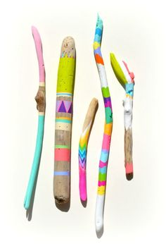 Painted Sticks - 5 Piece Collection, Art - Ombre, Handpainted - Chevron, Stripes, Triangles, Arrow, Tribal, Driftwood, Braid, Feather, Boho. $80,00, via Etsy.
