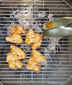 Przepis na skrzydełka z grilla | AniaGotuje.pl Coleslaw, Grilling, Coleslaw Salad, Crickets, Cabbage Salad