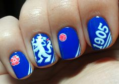 i dnt know what i would do if i ever see a girl with this.....#amazing #chelsea nail design