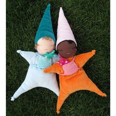 baby elf waldorf doll...oh so cute and must be made..note little ones fav is blue