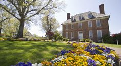 The Historic Powhatan Resort By Diamond Resorts Williamsburg The Historic Powhatan Resort by Diamond Resorts offers furnished apartments on the grounds of a restored Manor House. Located 6 km from Historic Williamsburg, the resort features an indoor and seasonal outdoor pool.