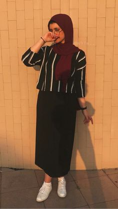 Hijab Fashion 2016, Muslim Fashion, Modern Hijab Fashion, Korean Fashion Dress, Hijab Fashion Inspiration, Fashion Outfits, Skirt Outfits Modest, Stylish Hijab, Modele Hijab