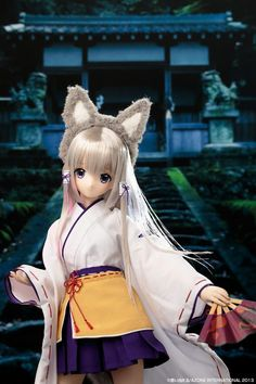 This Azone International doll is of Amane, a fox incarnated as a girl dressed in a shrine maiden outfit who watches over a shrine! The beauty of this doll isn't just her gorgeous silver hair and bright eyes, but also her meticulously crafted outfit made up of traditional Japanese clothing. When she is wearing her fluffy fox ears and tail, she is one of the cutest dolls we've ever seen! Amane is a ...