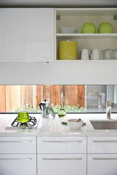 modern kitchen by Three Legged Pig Design Ikea high gloss white Abstrakt cabs Caesarstone in Nougat New Home Checklist, Kitchen Chemistry, Kitchen Dining, Kitchen Cabinets, Compact Living, Wood Interiors, Minimalist Kitchen, Kitchenette, Home Kitchens