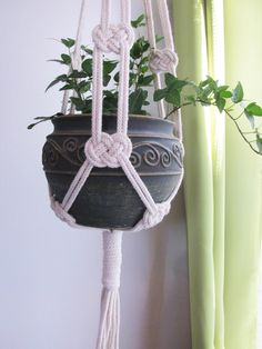 How To Make Macrame Plant Hanger DIY 99 Inspiring Projects picture onlyThe Macrame plant hanger is one of many forms of yarn, and it regains the attention it deserves. Macrame plant hangers are a great way to provide retro quality to your home while DIY m Macrame Design, Macrame Art, Macrame Projects, Macrame Knots, Diy Projects, How To Macrame, Plant Projects, Macrame Hanging Planter, Macrame Plant Holder
