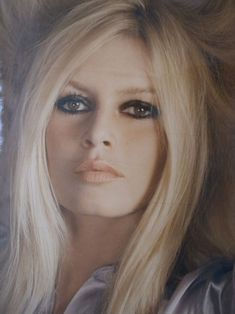 Brigitte Bardot French Actress,Singer,dancer, anima rights activist. Brigitte Bardot, Bridget Bardot Makeup, French Actress, Classic Beauty, Timeless Beauty, Hollywood Glamour, Vintage Beauty, Beautiful Actresses, Hair Makeup