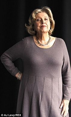 Anne Reid said that meeting her idol gave her a new found confidence after the death of her husband British Actresses, Actors & Actresses, Sherlock Au, Last Tango In Halifax, Sexy Women, Funny Women, Ladies Who Lunch, British Comedy, Aging Gracefully