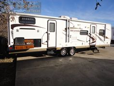 32ft - 2013 - Rockwood Ultra Lite Bunk House Sleeps 11 - $24,995.00 What a great way for the family to create fun memories! With a WAY COOL bunk room just for the kids everyone will enjoy your camping trips! You can now set up camp right in the middle of all the fun as you are now fully self contained