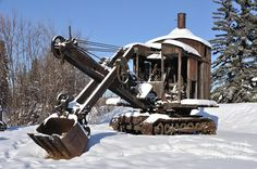 A steam shovel with timeless good looks.