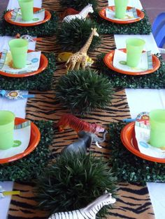 Jungle themed party party jungle party ideas party favors party decorations party fun theme kids part kids parties party idea pictures Jungle Theme Birthday, Jungle Theme Parties, Jungle Party, Birthday Party Themes, Party Animals, Animal Party, Safari Party, Deco Jungle, Jungle Safari