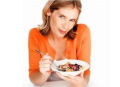 Durante el embarazo y la lactancia es fundamental prestar una atención especial a la dieta.  http://www.menudoembarazo.es/antes-del-embarazo/alimentacion-antes-concepcion